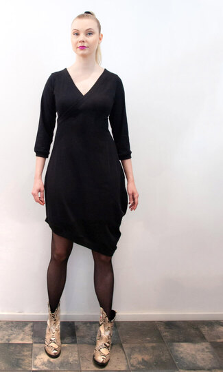 0 Beehive II dress Petit Wrap Black