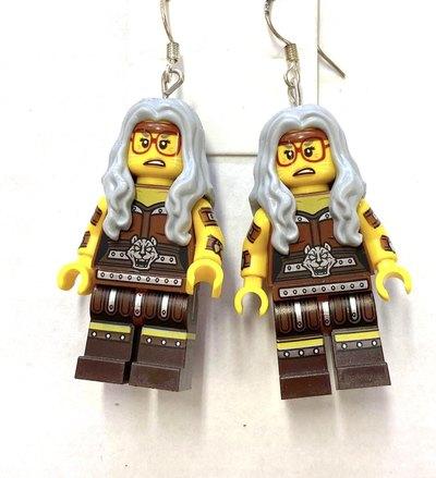 0  Apocalypseburg Mrs. Sherry Scratchen Legokorvakorut