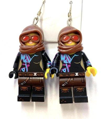 0 Lucy Legokorvikset